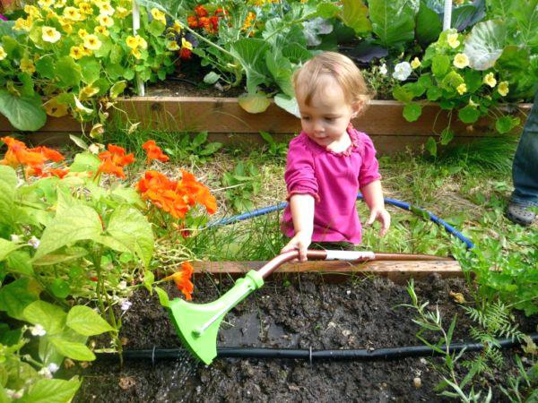 فضاسازی و طراحی فضای ویلا و باغ مناسب کودکان